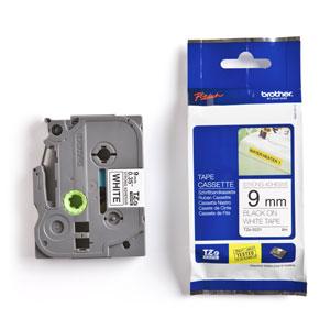 páska BROTHER TZS221 čierne písmo, biela páska extra lepivá ADHESIVE Tape (9mm)
